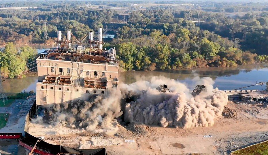 North Carolina Power Plant Demolition time lapse image