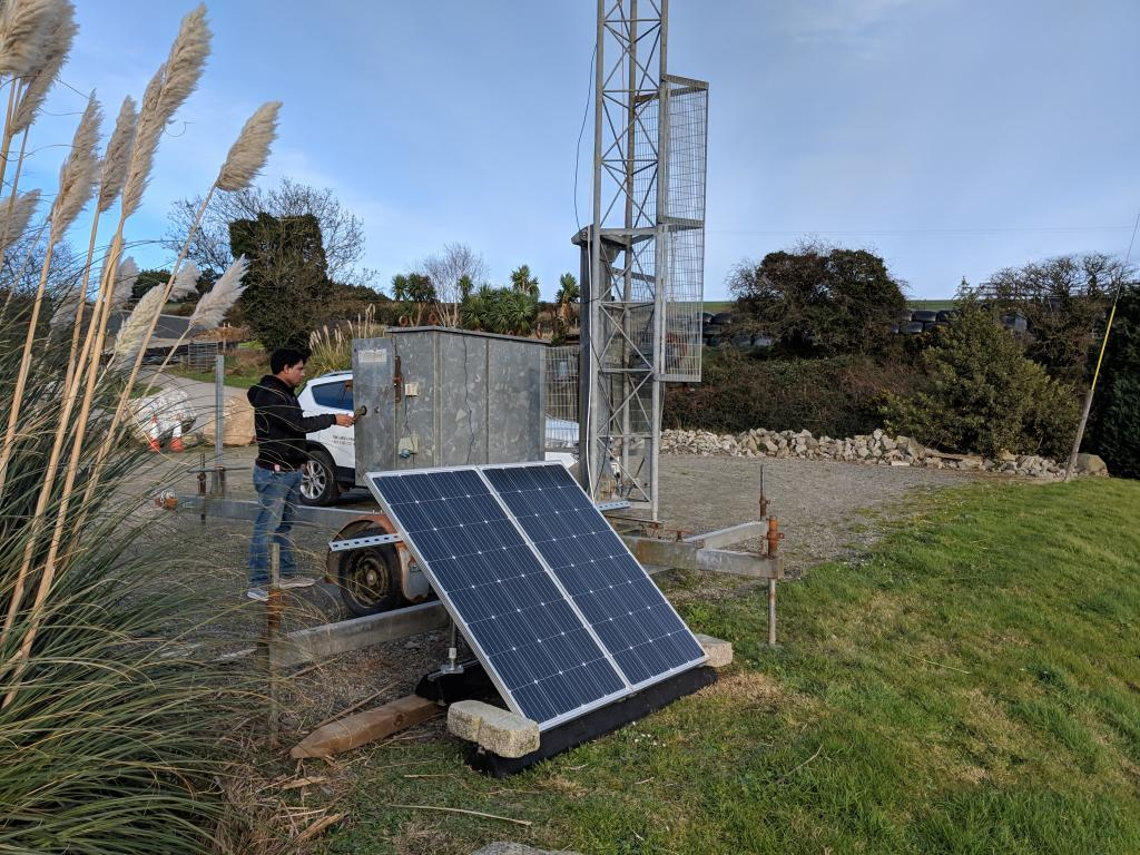Solar & Wind Powered Mobile Mast for Time-lapse CCTV